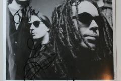 autographed_press_pic